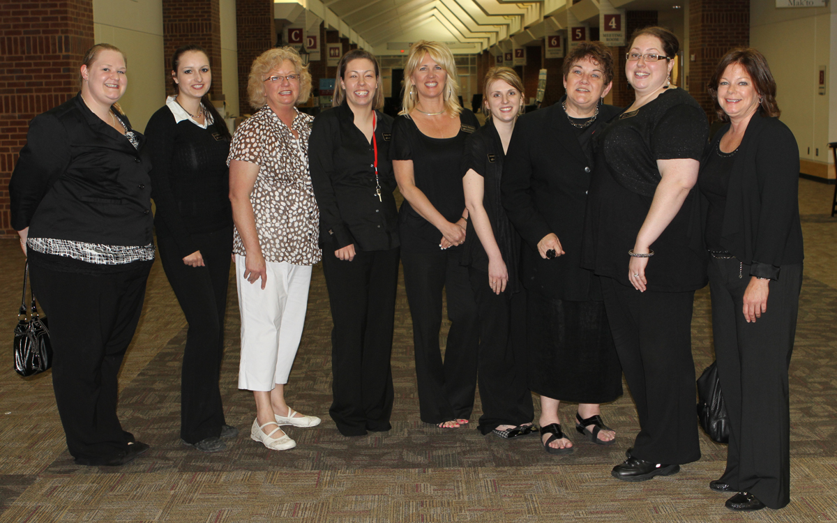 (students with their instructor) Megan Thompson, Lucie Mikolaskova, Nancy Rotramel, Robyn Bruce, Dawn Nelson, Jennifer Beck, Rosealee Lee, Cara Tuenge, Julie Retzer