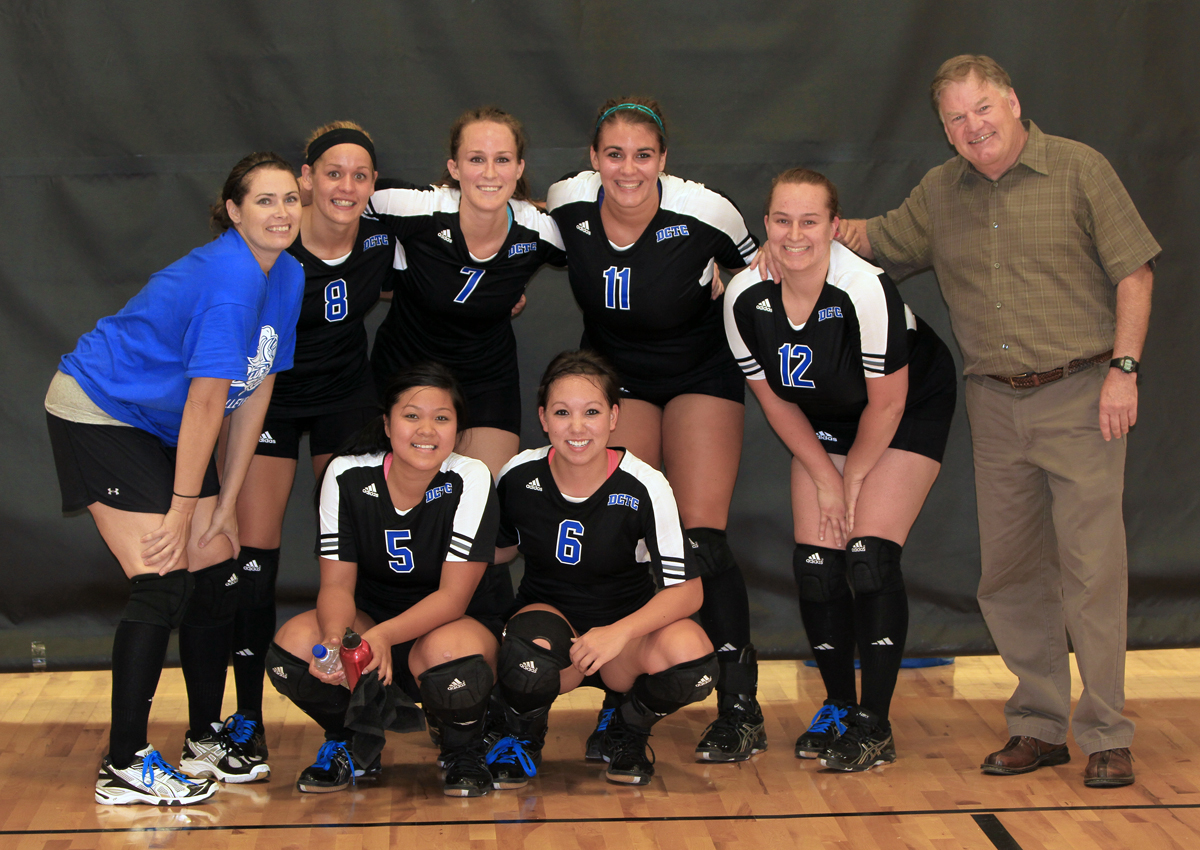 Blue Knights Volleyball (left to right back row) Nichole Wagner, Lauren LeMay, Alyssa Pekarna, Bailey Anderson, Lisa Huneke, Coach Ben Stroud (left to right front row) Sundra Xaphakdy, Amelia Pho