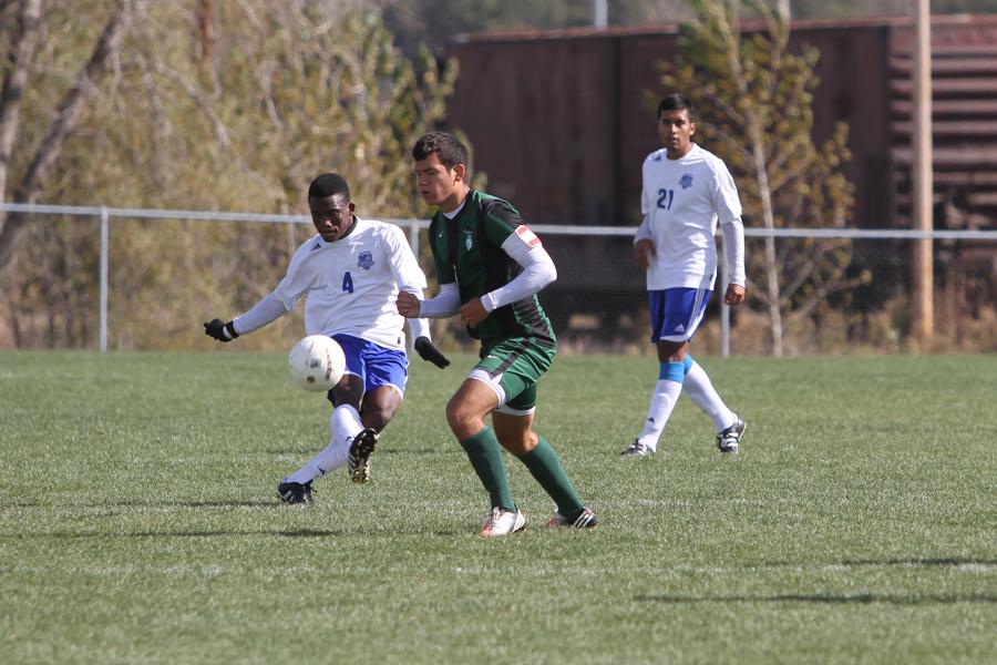 Lateef Bakare | #4 | Freshman | Midfielder