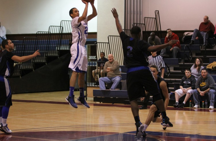 Chris McMorris (pictured) | #23 | Sophomore | Wing