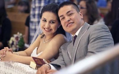 Marisela and husband Rodrigo at their wedding day