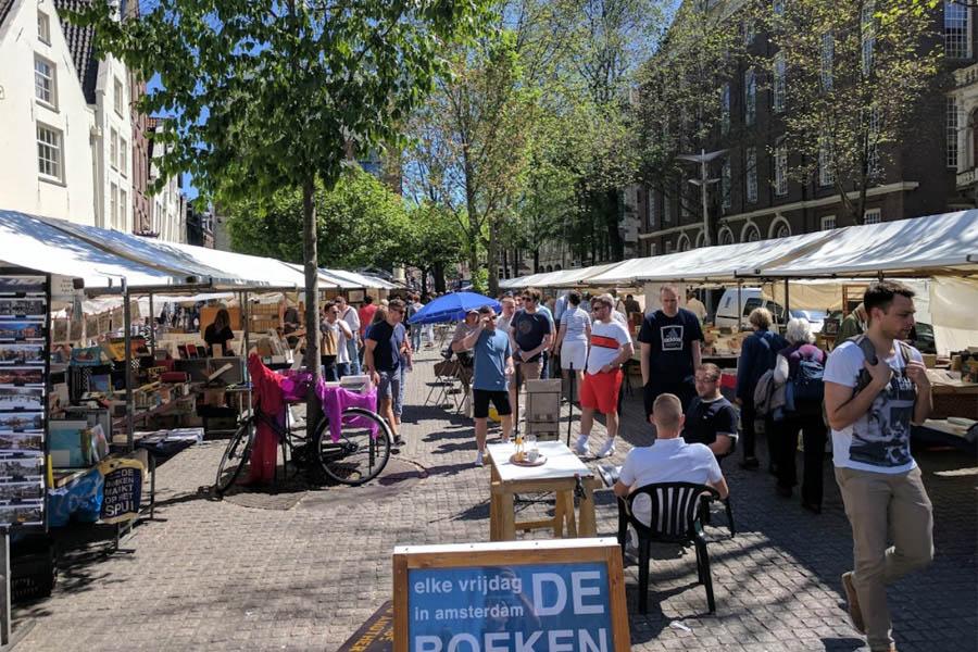 Spuibookmarket in Amsterdam