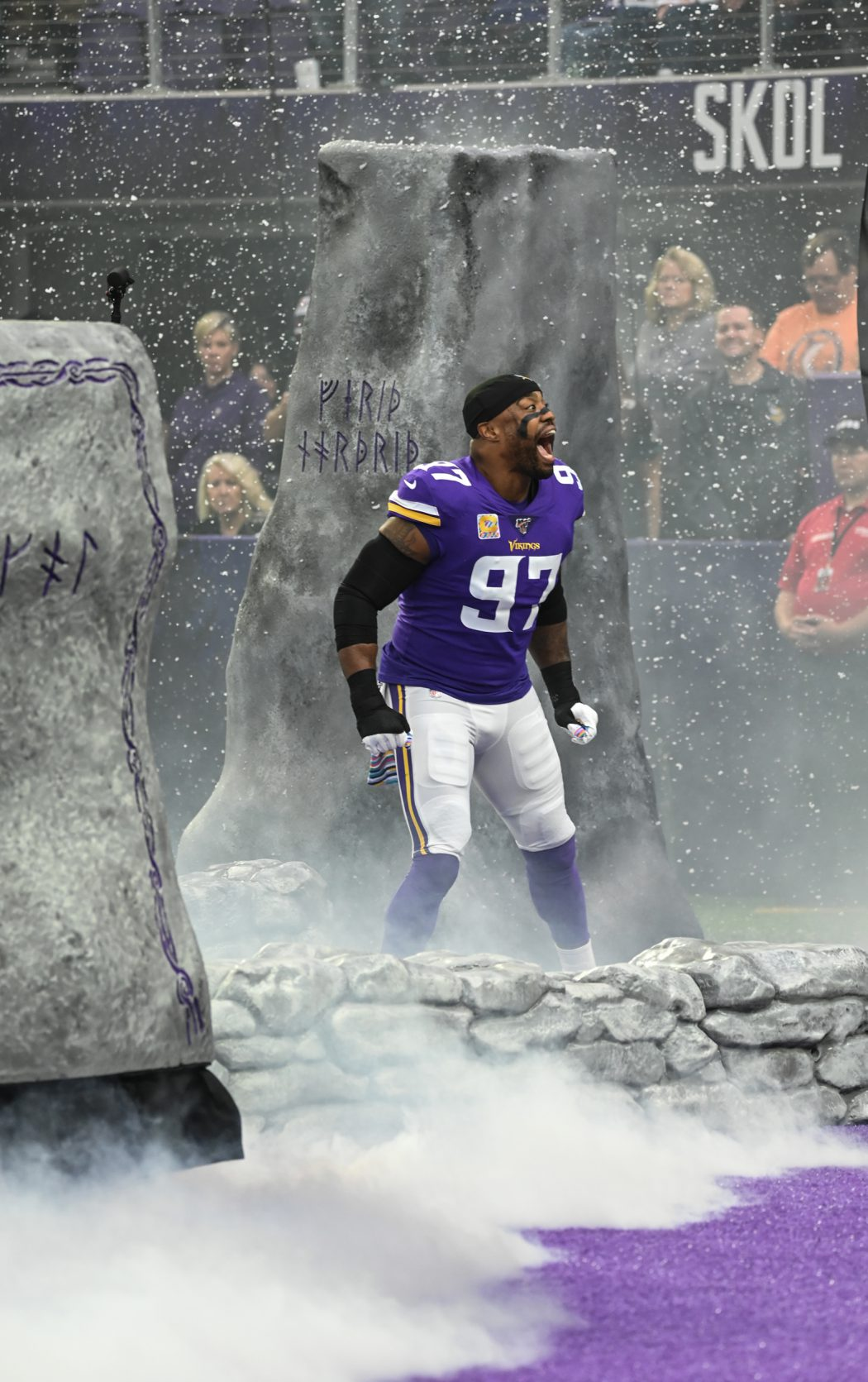 Everson Griffen entering U.S. Bank Stadium ready to defeat the Eagles