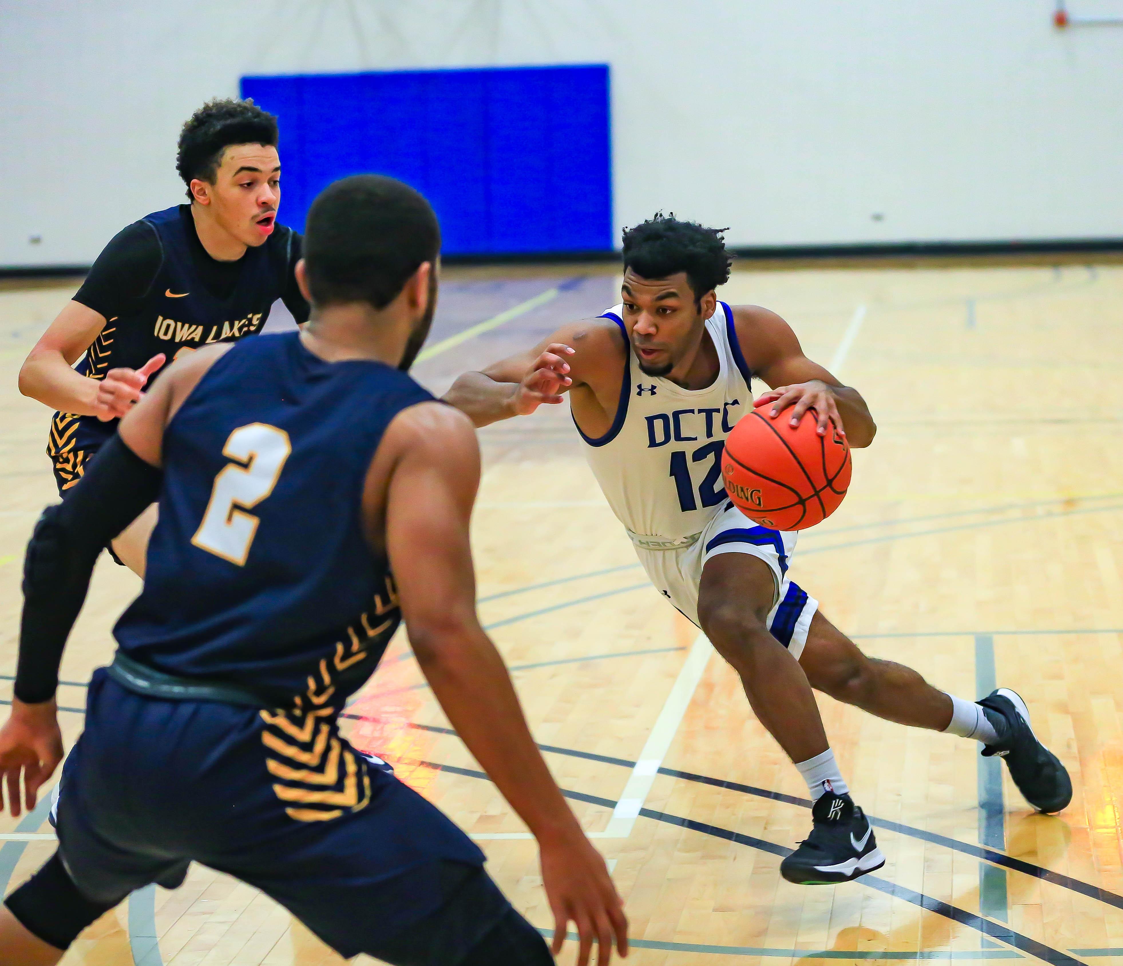 BK Basketball vs Iowa Lakes-150